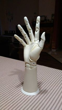 New artificial human hand Doll Crafts, Diy Doll, Artificial Hand, Arte Robot, Cyberpunk Character, Robot Girl, Robot Concept Art, Robot Design, 3d Prints