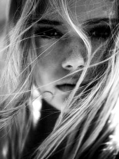 black & white photography -repinned by San Francisco photography studio http://LinneaLenkus.com #portraiture