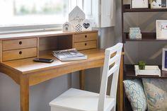 Que tal um toque retrô no quarto? Organize e decore com uma escrivaninha vintage! #meumoveldemadeira #mmm #decor #design