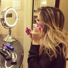 """""""Apaixonadaaaaaa por essa máscara volume Bombastic da @vult_cosmetica , to usando a combinação dela com a Super Lashes também da @vult_cosmetica, alguém aí…"""""""