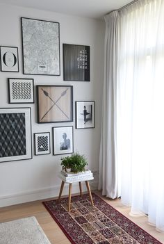 for Friday Love this gallery wall idea and all five fun and inspiring home decor ideas in this collection!Love this gallery wall idea and all five fun and inspiring home decor ideas in this collection! Gallery Wall, Decor, Wall, Interior Inspiration, Home And Living, Interior Design, Home Decor, House Interior, Home Deco