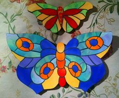 Mas mariposas! Dragonfly Art, Butterfly Template, Glass Butterfly, Mosaic Stepping Stones, Stone Mosaic, Mosaic Glass, Glass Art, Mosaic Tile Art, Mosaic Art