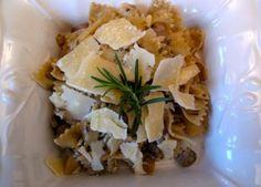 Farfalle with three mushroom sauce Mushroom Sauce, Risotto, Tacos, Stuffed Mushrooms, Mexican, Pasta, Ethnic Recipes, Food, Mushroom Gravy