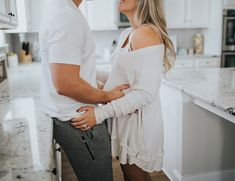Cozy Home Maternity Photos – Inspired By This Cosy Home Mutterschaft Fotos – davon inspiriert