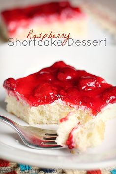 Raspberry Shortcake Dessert made with Danish Dessert is a family favorite. Super DELICIOUS! ~ http://reallifedinner.stfi.re