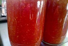 Fokhagymás paradicsomszósz télire recept képpel. Hozzávalók és az elkészítés részletes leírása. A fokhagymás paradicsomszósz télire elkészítési ideje: 35 perc Jalapeno Jelly, Canning Salsa, Hungarian Recipes, Salsa Recipe, Canning Recipes, Hot Sauce Bottles, Pickles, Ketchup, Plum