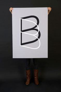the letter B / butterfly?
