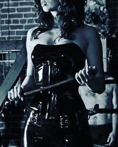 Фильм госпожа бантом фото с рабом толстого спящего мужика