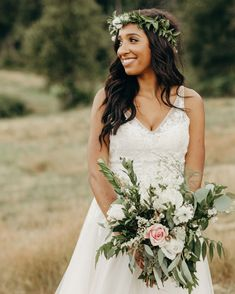 Summer Wedding Dresses This bride looked wildly angelic in an airy BHLDN gown and an earthy floral crown Casual Wedding Hair, Diy Wedding Hair, Sexy Wedding Dresses, Perfect Wedding Dress, Farm Wedding, Wedding Ideas, Summer Wedding, Dream Wedding, Boho Wedding