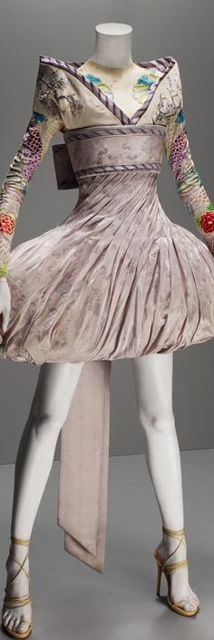 Alexander McQueen, It's Only a Game Collection, Spring Summer 2005