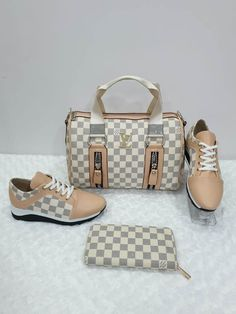 Louis Vuitton Sneakers / Only Me 💋💚💟💖✌✔👌💙💚 xoxo White Louis Vuitton Bag, Louis Vuitton Sneakers, Louis Vuitton Alma, Louis Vuitton Handbags, Gucci Sneakers Outfit, Sneakers Fashion, Dior, Trendy Handbags, Baskets