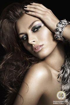 romanian model Alina Nine