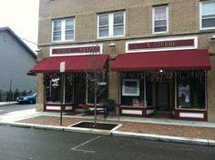 Thatsa Wrapp - Downtown Canton, Ohio…GREAT place to eat! Places To Eat, Great Places, Canton Ohio, Ohio Usa, Sweet Home, Fun Stuff, Restaurants, Friday, Community