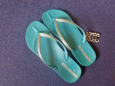 Ipanema Flip Flops Review - Jenna Suth Most Comfortable Flip Flops, Ipanema Flip Flops, Flipping, Lifestyle Blog, Sandals, Beauty, Shoes, Women, Fashion