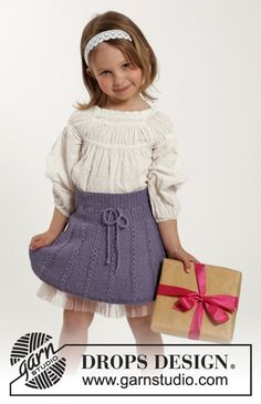 "Knitted DROPS skirt with lace edge in ""Alpaca"". Size 2-10 years ~ DROPS Design"