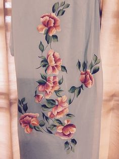 Pin By Supreet Kaur On Suit Paintings Fabric Paint Designs, Silk - Diy Fabric Painting On Clothes, Fabric Paint Shirt, Painted Clothes, Fabric Art, Saree Painting, Dress Painting, Silk Painting, Hand Painted Sarees, Hand Painted Fabric