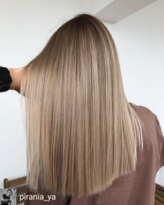 Golden Blonde Balayage for Straight Hair - Honey Blonde Hair Inspiration - The Trending Hairstyle Bronde Balayage, Blonde Balayage Highlights, Full Highlights, Bronde Haircolor, Blonde Hair Looks, Brunette Hair, Brunette Color, Blonde Wig, Blonde Hairstyles