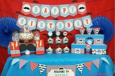 Image from http://theshoppingmama.com/wp-content/uploads/2014/01/mustache-birthday-party-theme.jpg.