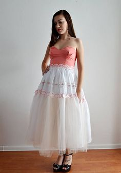 VivienMihalish / Marhuľkové šaty so šľahačkovou sukňou
