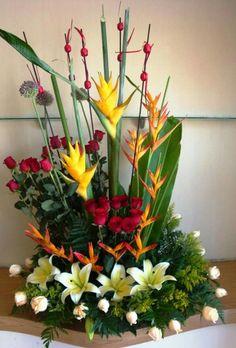 Fresh Flowers, Silk Flowers, Beautiful Flowers, Dry Fruit Box, Large Flower Arrangements, Bouquet, Church Flowers, Ikebana, Flower Decorations