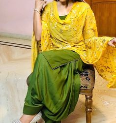 Patiala Suit Designs, Kurta Designs Women, Kurti Designs Party Wear, Salwar Designs, Punjabi Dress, Punjabi Suits, Salwar Suits, Patiala Salwar, Anarkali