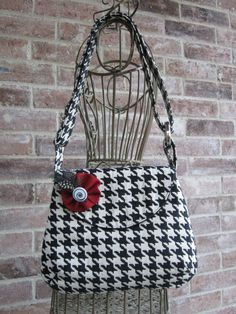 The Classic Purse in Black and White by specialtycreations on Etsy
