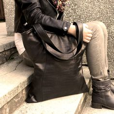 "Design leather bag ""Leather Corset"", leather oversized bag, leather tote bag, everyday bag, shoulder handbags, autumn trends on Etsy, 129,09€"