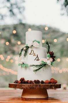a beautiful and simple woodland wedding cake in white, with pinecones, sugar blooms and greenery - Weddingomania Small Wedding Cakes, Diy Wedding Cake, Floral Wedding Cakes, Small Intimate Wedding, Wedding Cake Designs, Intimate Weddings, Unique Weddings, Real Weddings, Wedding Blog
