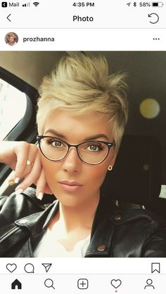 Today we have the most stylish 86 Cute Short Pixie Haircuts. We claim that you have never seen such elegant and eye-catching short hairstyles before. Pixie haircut, of course, offers a lot of options for the hair of the ladies'… Continue Reading → Short Haircut Styles, Short Pixie Haircuts, Short Hairstyles For Women, Short Hair Cuts, Long Hair Styles, Pixie Bob, Cut Hairstyles, Edgy Pixie Hairstyles, Messy Pixie Haircut