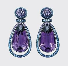 Amethyst, Sapphire and White Gold Earrings, Hemmerle Purple Jewelry, Amethyst Jewelry, Amethyst Earrings, Gold Earrings, Jewelry Accessories, Jewelry Design, Chandelier Earrings, Saphir Rose, Violet