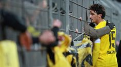 This tore my heart. Captain Hummels consoling  the fans after BVB's loss to Augsburg. Such a great person! Look up captain!