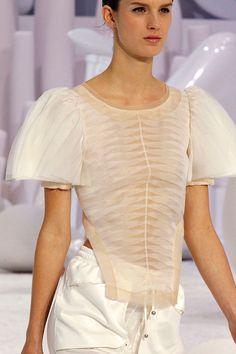Chanel, spring 2012 #Paris #PFW #runway #details