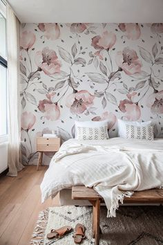 Removable Wallpaper Peel and Stick Wallpaper Wall Paper Wall Mural - Vintage Floral Wallpaper - Decor, Wallpaper Bedroom, Accent Wall Bedroom, Vintage Floral Wallpapers, Girl Bedroom Designs, Bedroom Wallpaper Accent Wall, Bedroom Design, Floral Bedroom, Wallpaper Design For Bedroom
