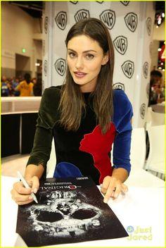 Phoebe Tonkin at #TheOriginals Comic-Con Signing 2015