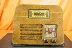 Vintage 1940 PHILCO PT-69 Transitone Wood TUBE RADIO ~ HIGH STYLED ART DECO!