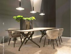 Torso Table & Coulisse Chair by Potocco