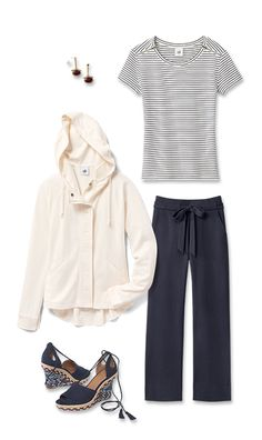 Check out five unique ways to mix and match the Soho Hoodie with other cabi items!  My online store is open 24/7 for your shopping pleasure. jeanettemurphey.cabionline.com