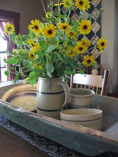 prairi blue, table settings, yellow flowers, dough bowl, french cottage, fresh flowers, table centerpieces, cottage style, dining tables