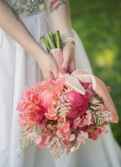 Lovely bouquet by Merveille #austinweddings {Photography by Vanessa}