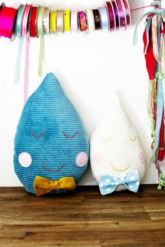 Frankie's Make Your Own Raindrop Pillow!