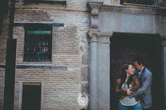 PREBODA EN TOLEDO_love sesion, reportaje de preboda, novios, boda toledo_0030_Ruben MEjias FOTOGRAFO DE BODAS,preboda urbana, preboda ciudad