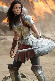 Frankie's favorite cosplay costume for ComiCon; photo: Jaimie Alexander as Lady Sif Warrior Princess, Gal Gadot Wonder Woman, Armadura Medieval, Poses References, The Dark World, Wonder Women, Marvel Movies, Marvel Cinematic Universe, Female Characters