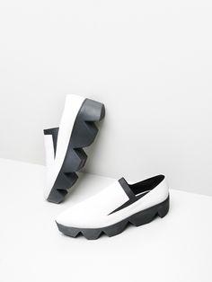 Oak / Vic Matie: Sleeper Shoe