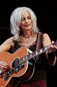 """Emmylou Harris ~ RFF 12 ~ Surreal onstage finale """"This Land is My Land"""" with Emmylou, Arlo and the rest of the performers Pink Floyd, Musica Country, Emmylou Harris, Ageless Beauty, Going Gray, Music Photo, Aging Gracefully, Female Singers, Grey Hair"""