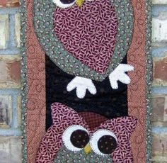 Super Cute owl quilt pattern to purchase. Owl Quilts, Bird Quilt, Cute Quilts, Animal Quilts, Small Quilts, Mini Quilts, Owl Patterns, Applique Patterns, Applique Quilts