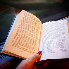 I love this book: The buried giant - Kazuo Ishiguro   Jeg elsker denne boken!  En kjempe begravd av Kazuo Ishiguro   #bookstagram #bøker #bookishgirl #leseglede #lesetips #nobelslitteraturpris #booksofinstagram #books #ilovereading #lesehest