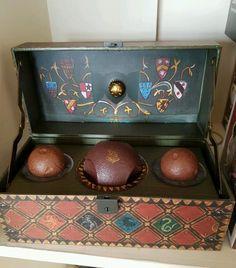 Hogwarts portraits printable harry potter pinterest for Table quidditch