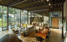 AIA Names 10 Best US Houses of 2016,Custom Housing: Oak Ridge House; Jackson, MS / Duvall Decker Architects, P.A.. Image Courtesy of AIA