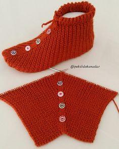 Crochet Buttons, Crochet Socks, Crochet Baby Shoes, Knitting Socks, Crochet Clothes, Baby Knitting, Knit Crochet, Knitting Paterns, Crochet Stitches