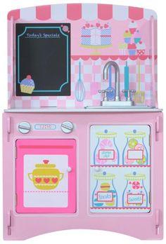MiPetiteLife.es - Cocina Patisserie de Kidsaw.  Cocina de juguete con un diseño inspirado en una pastelería parisina.   Con espacio para guardar los juguetes. Mueble ideal para iniciar el juego de roles y el aprendizaje.   ¡Vamos a cocinar y en la pizarra pondremos el menú!   Diseñada de forma que no es necesario ningún pegamento, tornillo o fijaciones mecánicas. Simplemente se ensambla con ranuras como un rompecabezas.       Dimensiones: H 89 x W 59 x D 36 cm.  www.MiPetiteLife.es